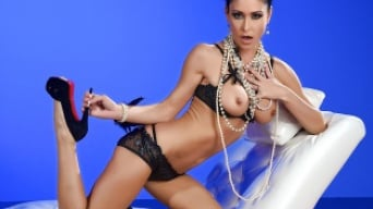 Jessica Jaymes in 'Glamour Sky'
