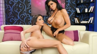 Jessica Jaymes in 'Jessica Loves Romi'