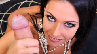 Jessica Jaymes in 'Smooth Operator'
