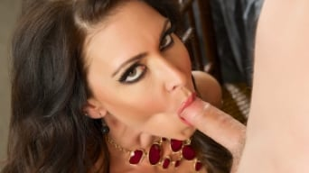 Jessica Jaymes in 'The Perfect Server'