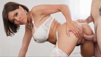 Krissy Lynn in 'Hot MILF Brunette Krissy Lynn Wants Italian Milk'
