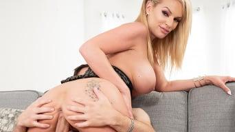 Rachael Cavalli in 'Busty MILF Rachael Cavalli Loves Cum in Tits'